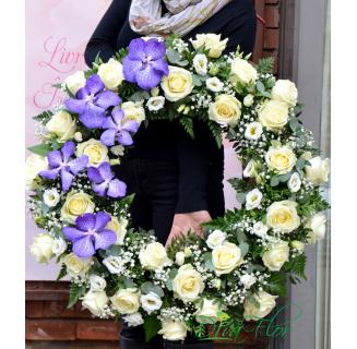 Coroana cu trandafiri și orhidee Vanda