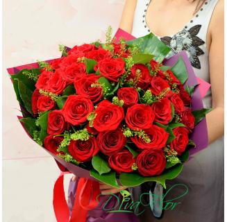 Buchet 41 trandafiri rosii