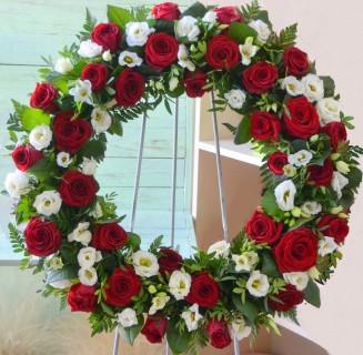 Coroana trandafiri, frezii, eustoma