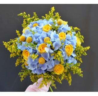 Buchet Ana cu hortensii bleu
